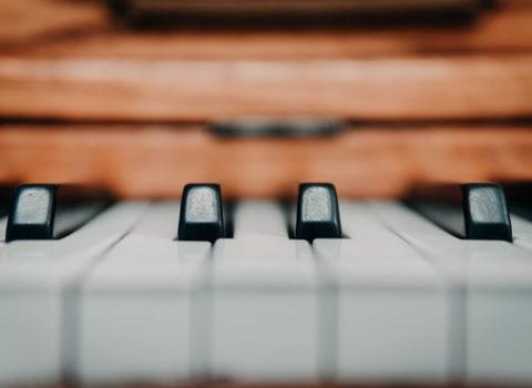 René van Beeck piano rental